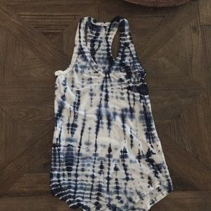 La made tie die tank size small